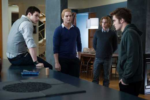 Someone is creating an army of vampires. This means an ugly fight, with lives lost - Dr. Carlisle Cullen